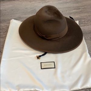 NWT Gucci Sereno fur felt hat